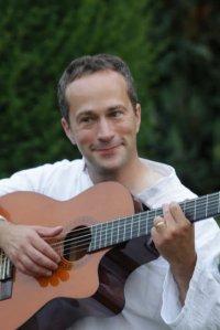 dans-une-de-ses-chansons-fabrice-devesa-rend-un-bel-hommage-a-un-courageux-petit-bonhomme-maxence-gravement-malade-photo-dr